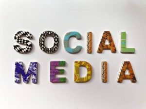Social media signs are the answer to Should You Waste Time and Money on Nofollow Links